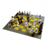 Resin chess game statue - Lili Cronenbourg